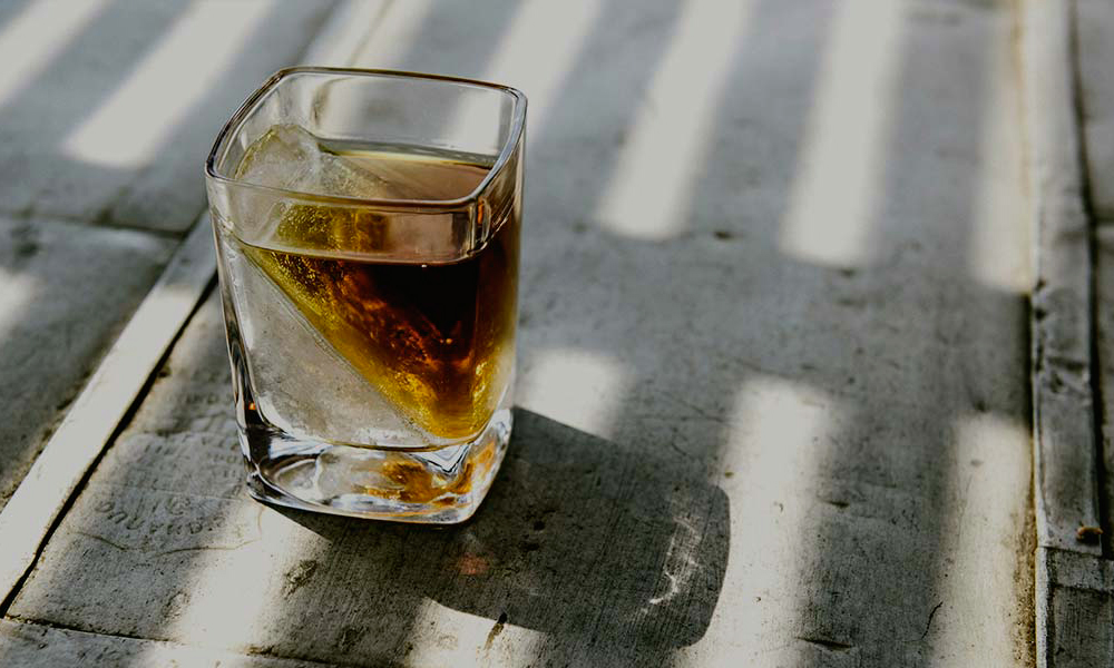 Whiskey Wedge Ice Cube Maker